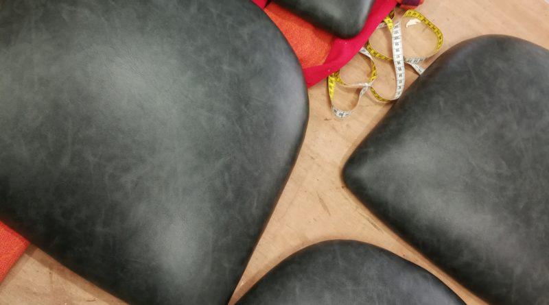 Galette chaises fixation skaï